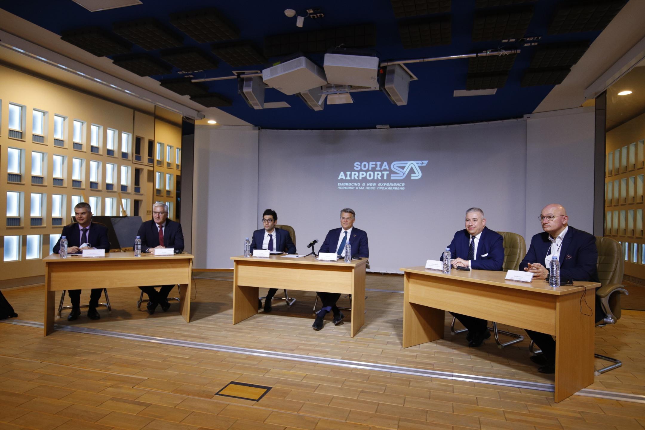 Концесионерът на Летище София обеща над 900 млн. лв. инвестиции